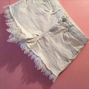 Jessica Simpson White Shorts w Lace Trim - 28